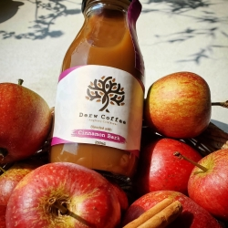 Derw cold brew coffee cinnamon apple