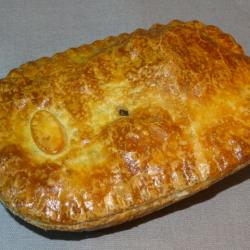 Small Steak & Onion pie