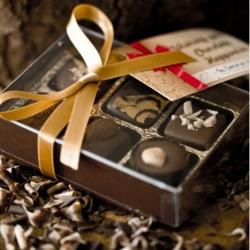Box of 6 nutty chocolates