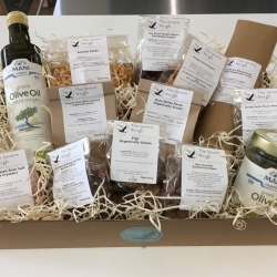 Sustainably packaged hampers; compostable & plastic free