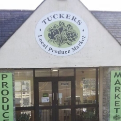 Tuckers Market