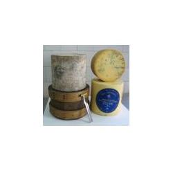 Traditional Cloth-Bound Cheshire Cheese