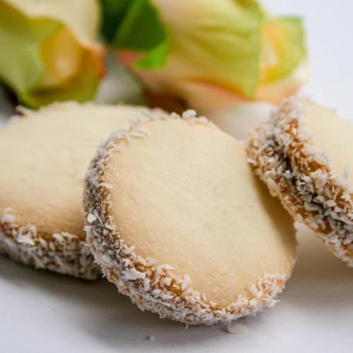 Dulce de Leche Alfajores (Box of 4 large biscuits)