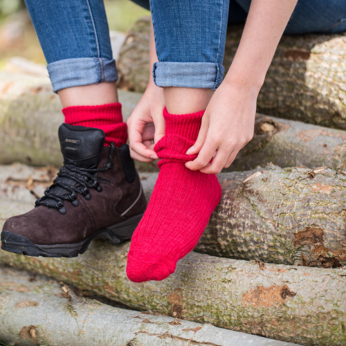 Alpaca Walking Socks Red 8-10