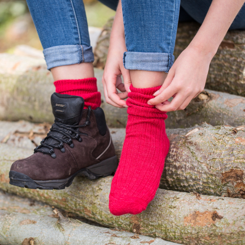 Alpaca Walking Socks Red 4-7