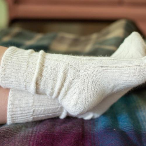 90% Alpaca Luxury Bed Socks 4-7 natural