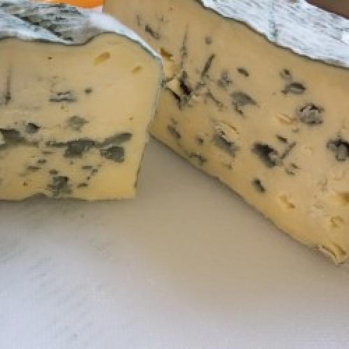 Devils Rock 9cm whole cheese