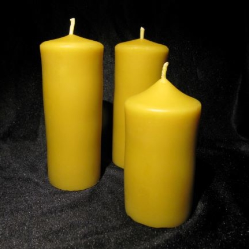 Beeswax candle pillar 13cm tall