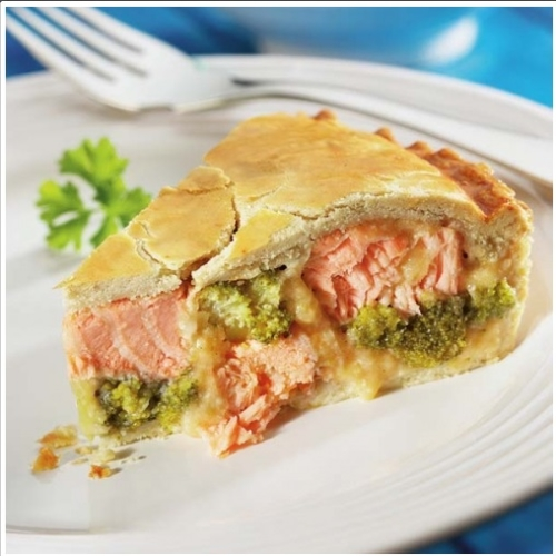Small Salmon & Broccoli Pie