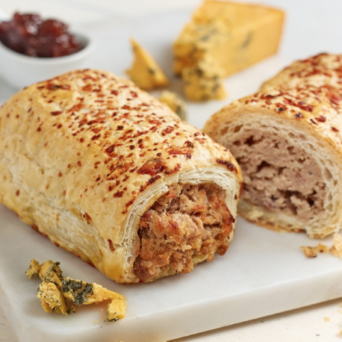 Pork, Shropshire Blue & Caramelised Onion Sausage Roll (frozen)