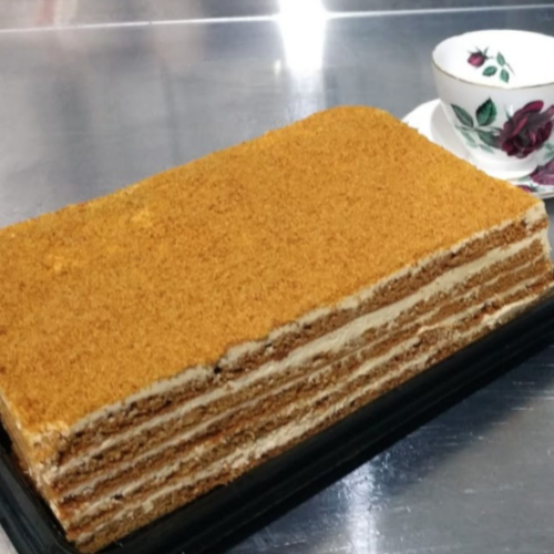 Russian Honey Cake 8 slices (v) - uncut